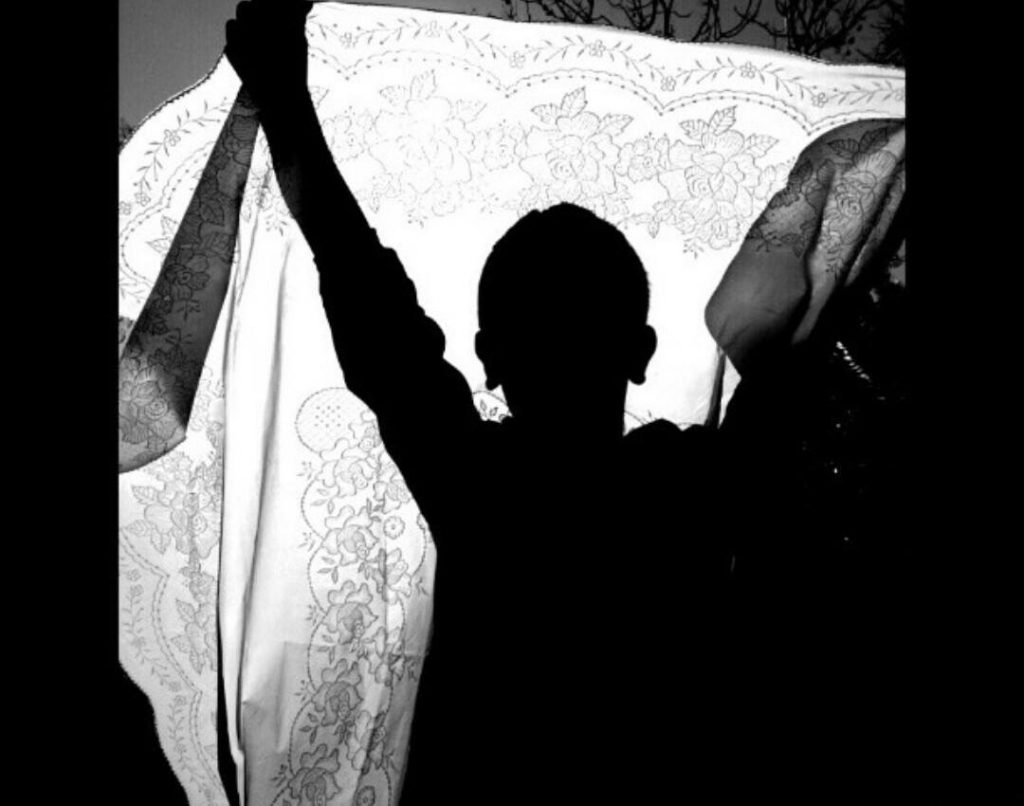 Sombra de niño, por María José G. Correll